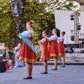 TANZBRÜCKE HAMBURG FEIERTE STIMMUNGSVOLLEN RUSSISCHEN NACHMITTAG IN PLANTEN UN BLOMEN